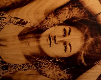 портрет на дереве на заказ в Твери